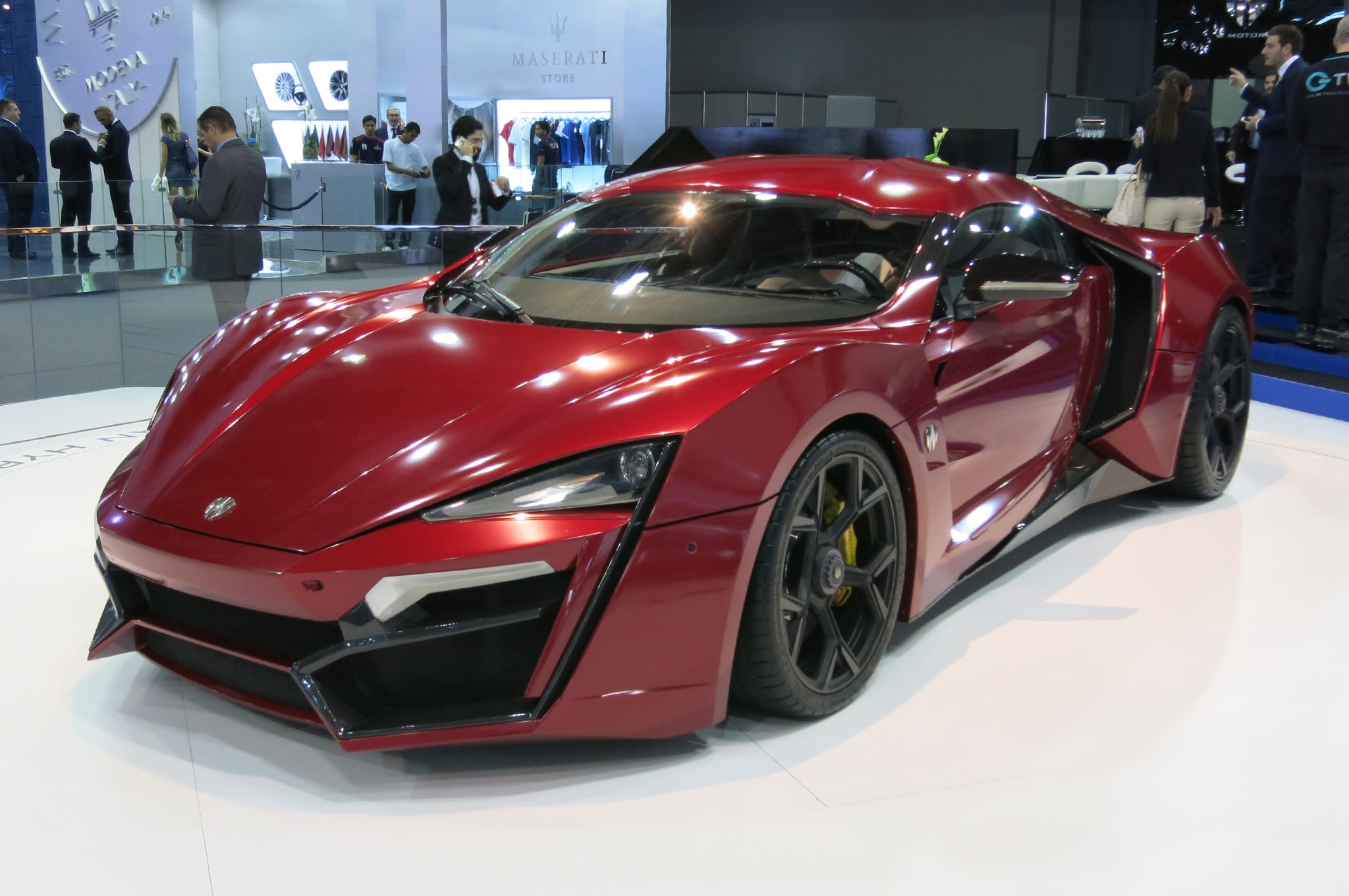 W Motors Lykan Hypersport Price >> All That Glittered: Our 11 Favorite Cars from the 2015 Dubai Auto Show