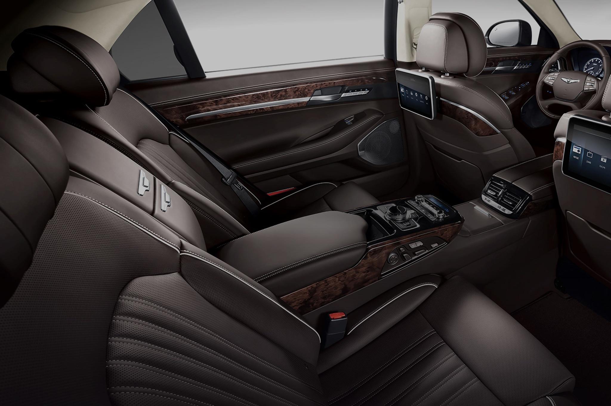 2017 Genesis G90 Luxury Sedan Revealed to Take on S-Class ...
