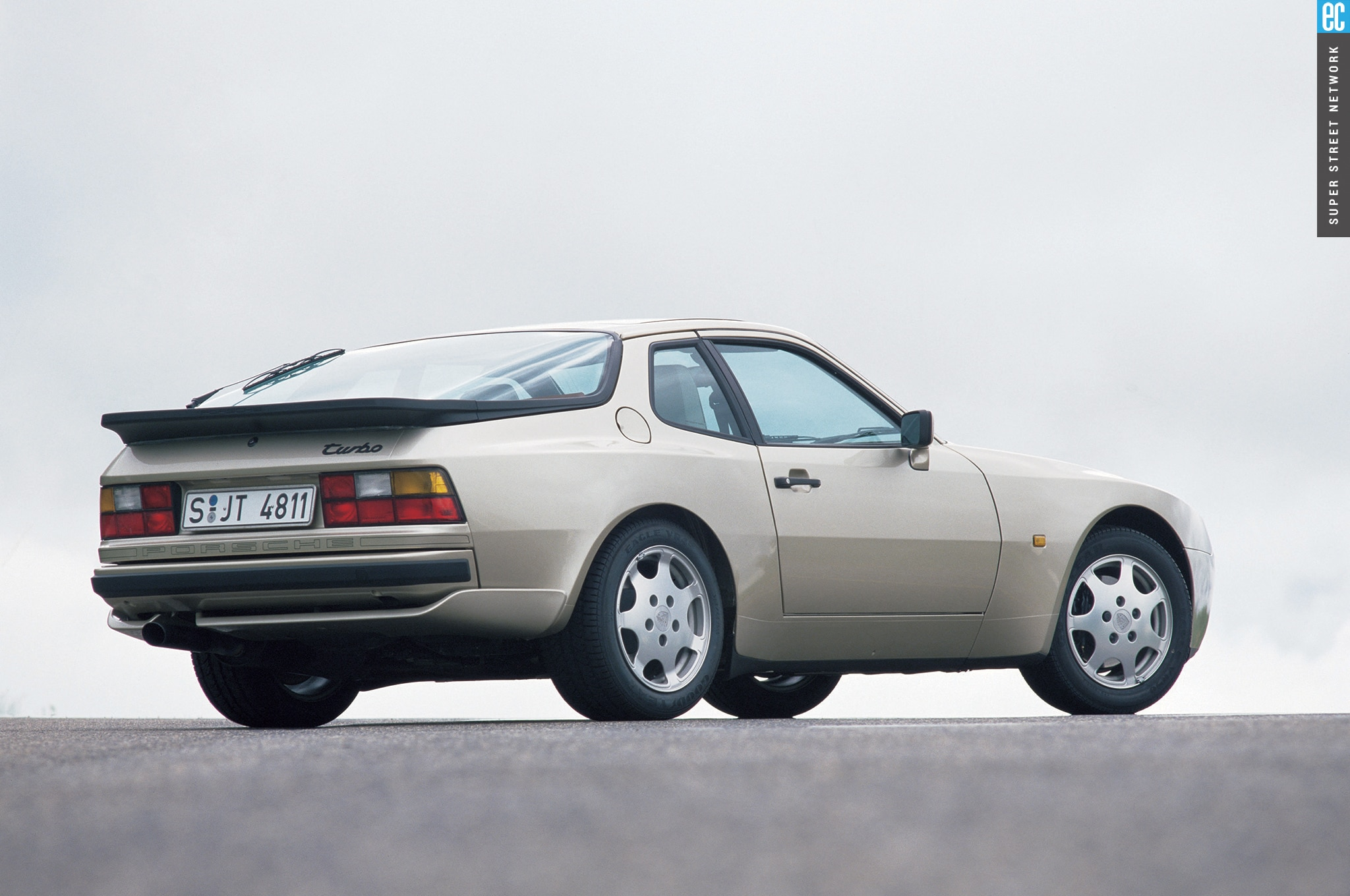 1988 Porsche 944 Turbo S Coupe1