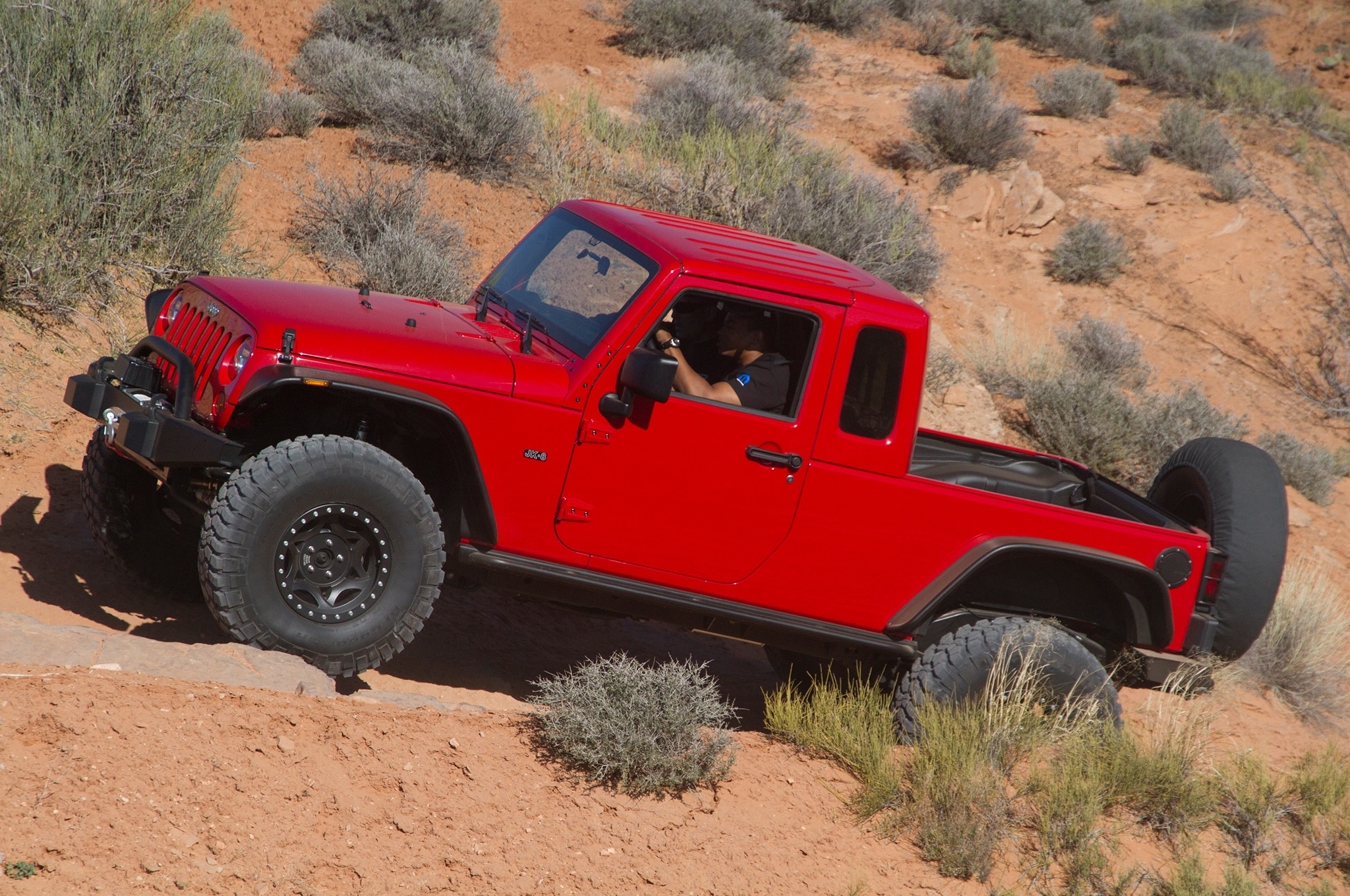 Report: Jeep Wrangler Pickup Confirmed for Debut by 2020