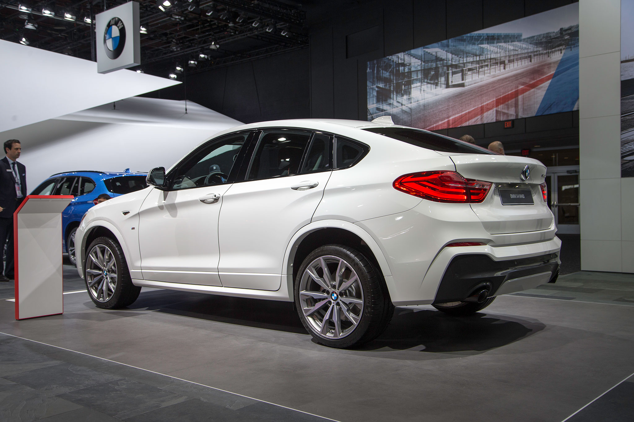 2016 BMW X4 Adds Performance Oriented M40i Model
