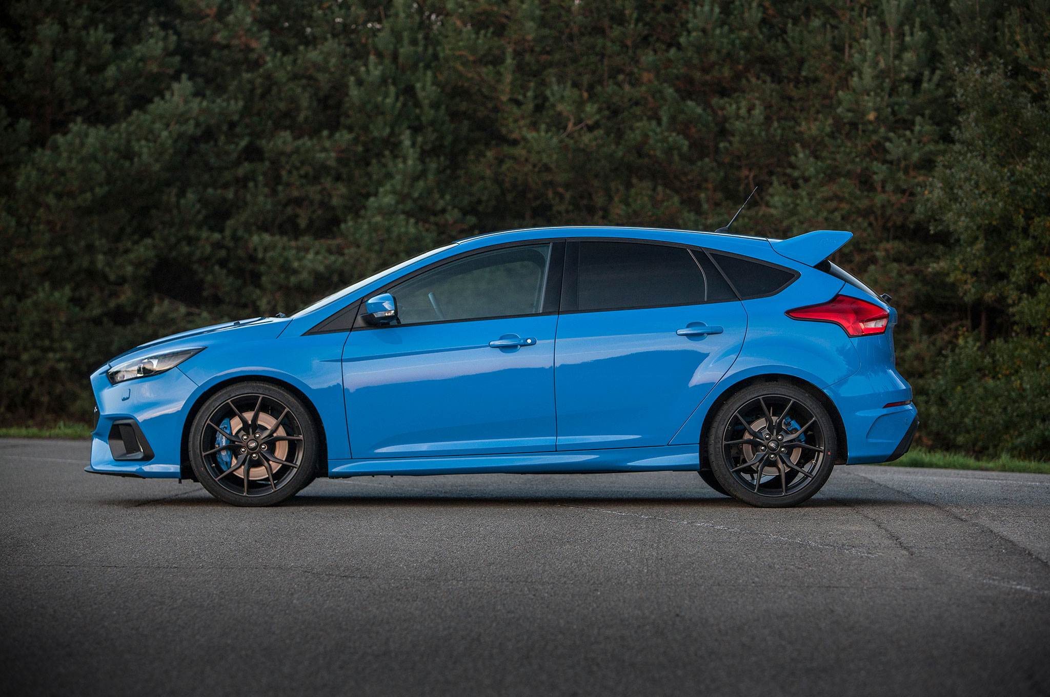 2016 ford focus rs euro spec track drive photo gallery. Black Bedroom Furniture Sets. Home Design Ideas