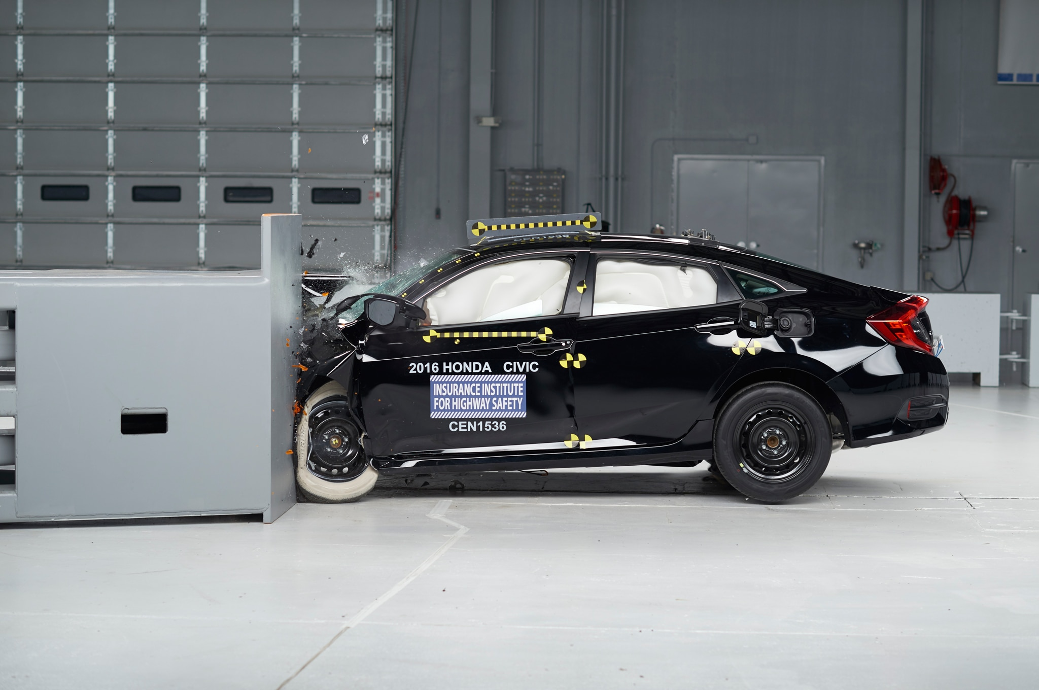 2016 Honda Civic  2016 Nissan Altima Among Iihs Tsp  Winners
