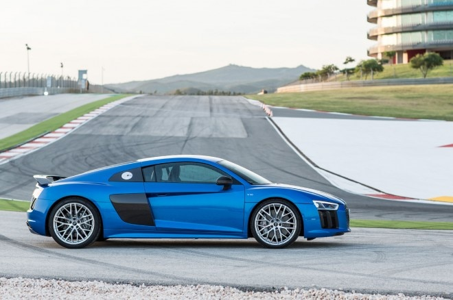 2017 Audi R8 V10 Plus side profile 011