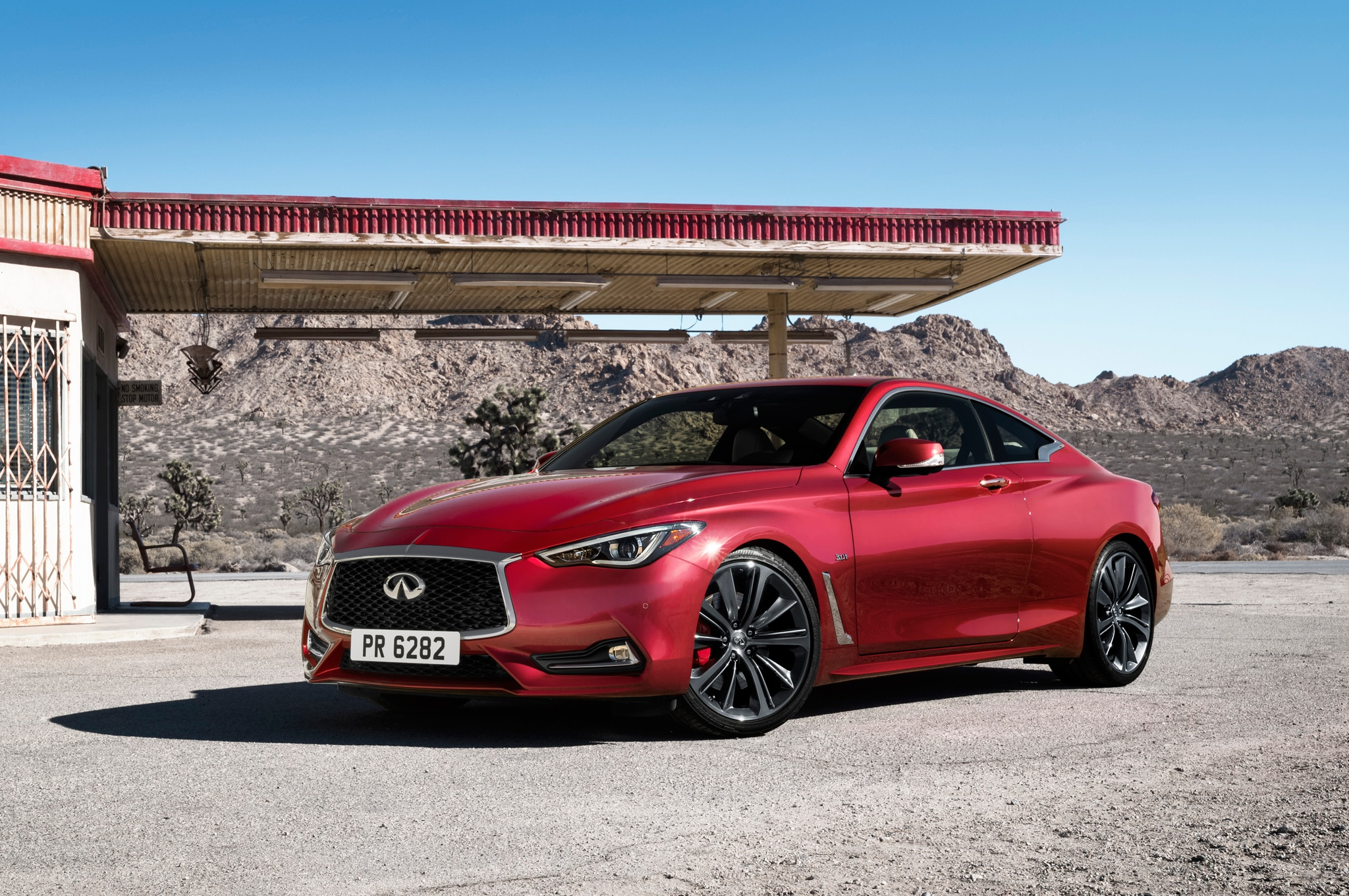 2017 Infiniti Q60 Coupe Front Three Quarter