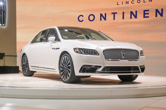 2017 Lincoln Continental Rocks Detroit with 400-HP Twin-Turbo V-6
