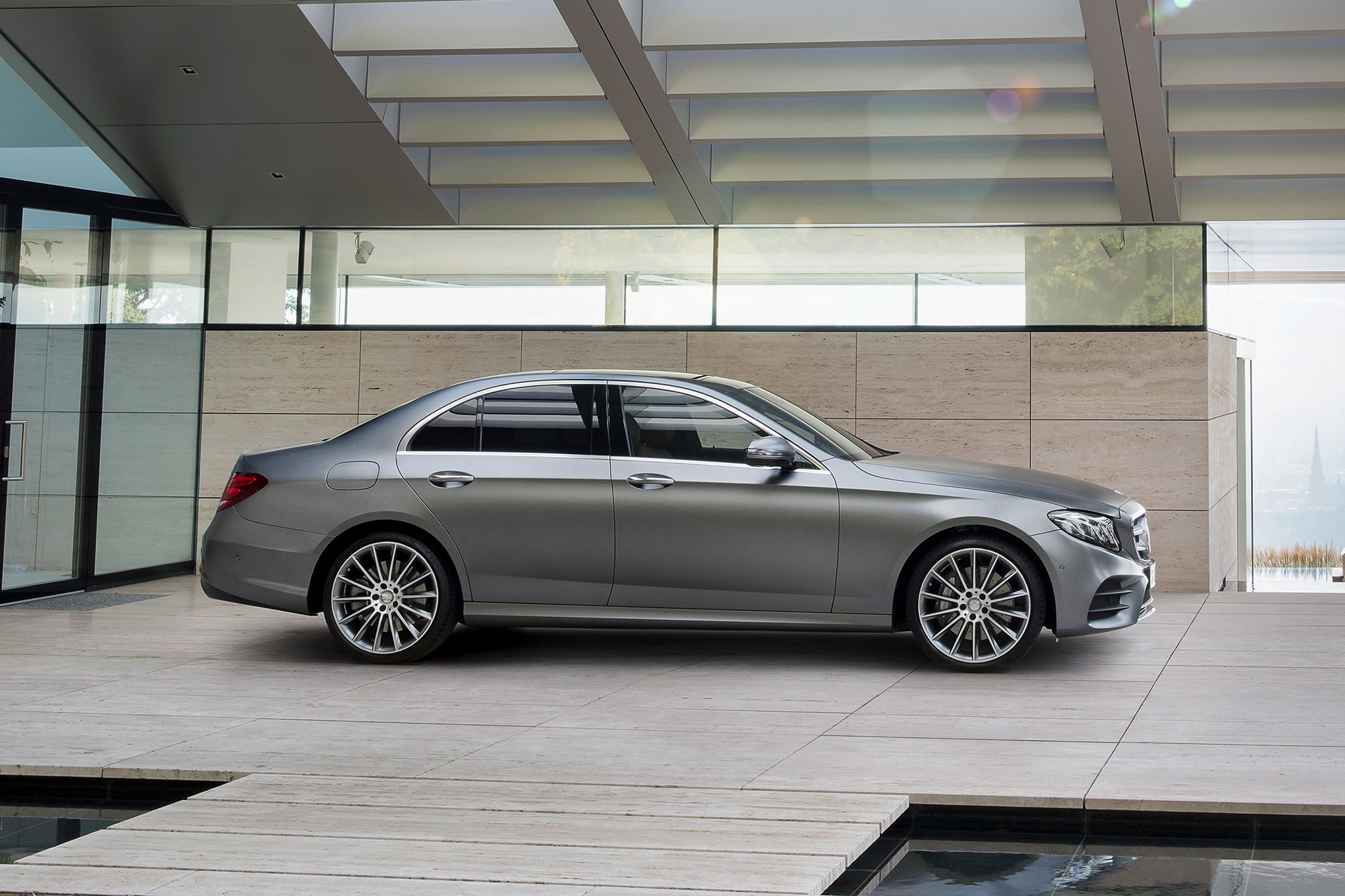 2017 Mercedes Benz E Cl Debuts With Sleek Looks Tons Of Tech