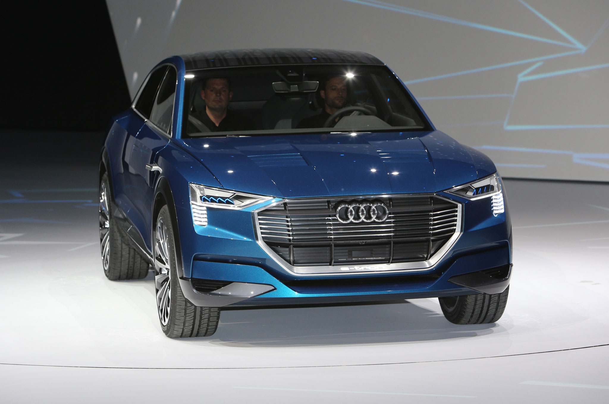 All Electric Audi Q6 E Tron Coming In 2018 With 300 Miles Of Range