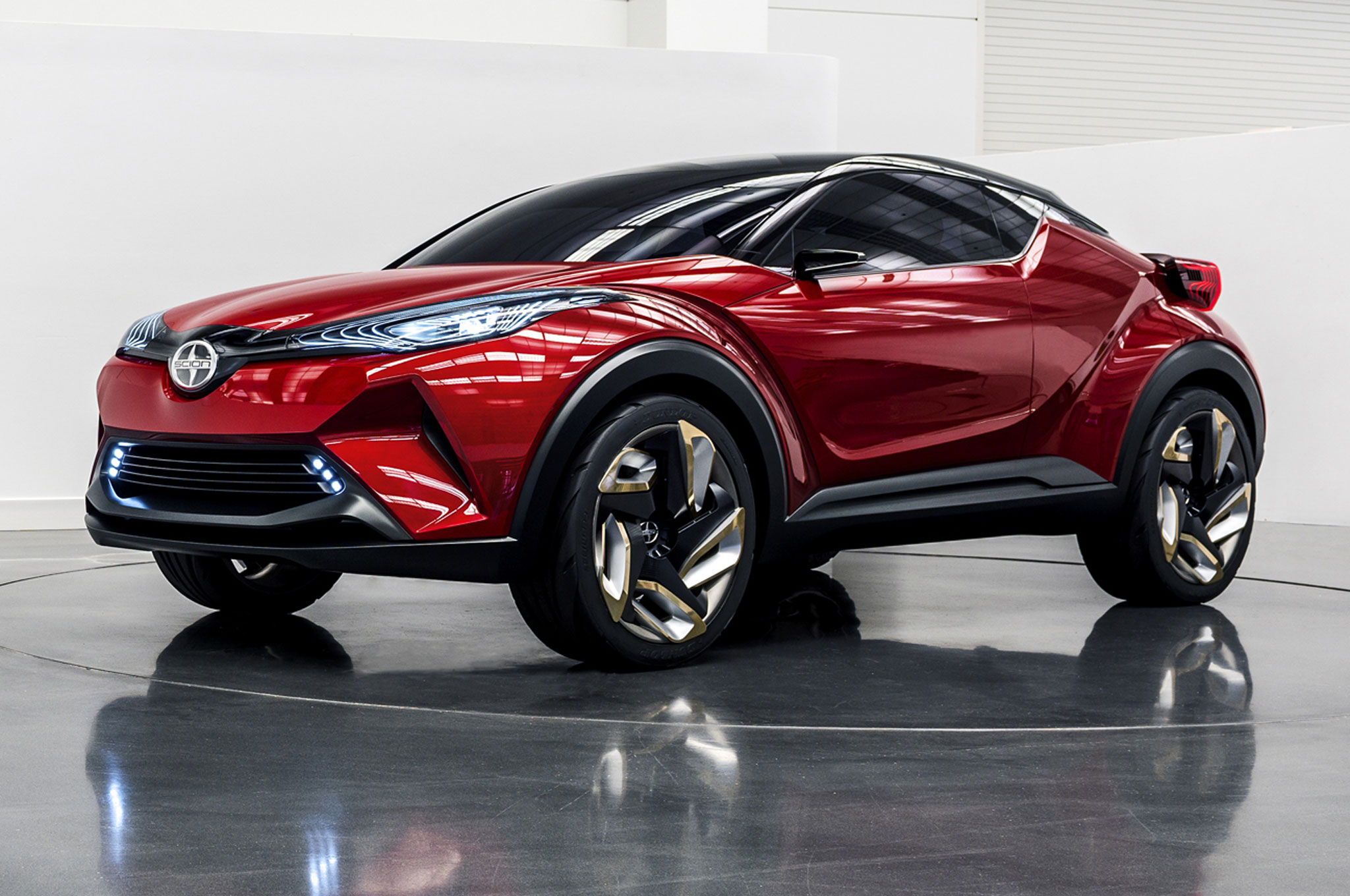 modified toyota c hr crossover heading to 24 hours of. Black Bedroom Furniture Sets. Home Design Ideas