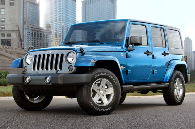 2015 Jeep Wrangler Unlimited Freedom Edition front three quarter