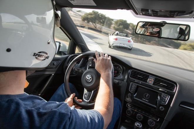 2015 Volkswagen Golf GTI cabin 02