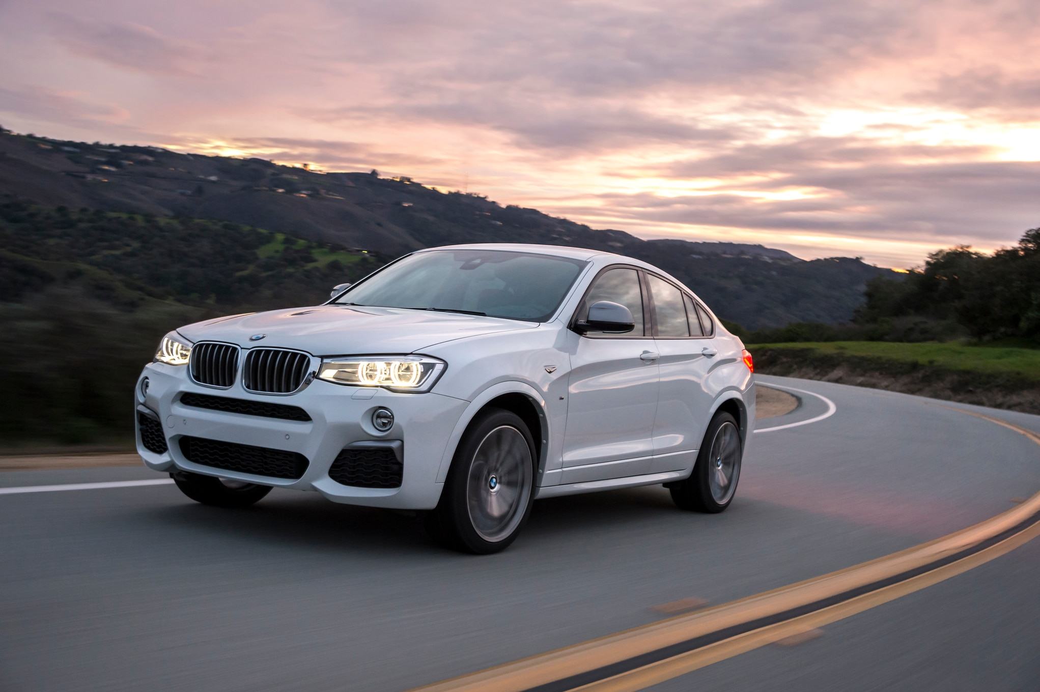 2016 Bmw X4 M40i Review 47 Adver To Skip 1