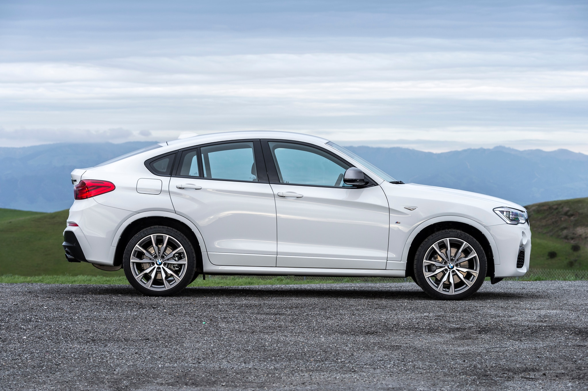8 Passenger Suv >> 2016 BMW X4 M40i Review