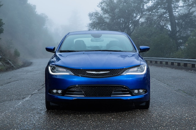 2016 Chrysler 200C Front End 03