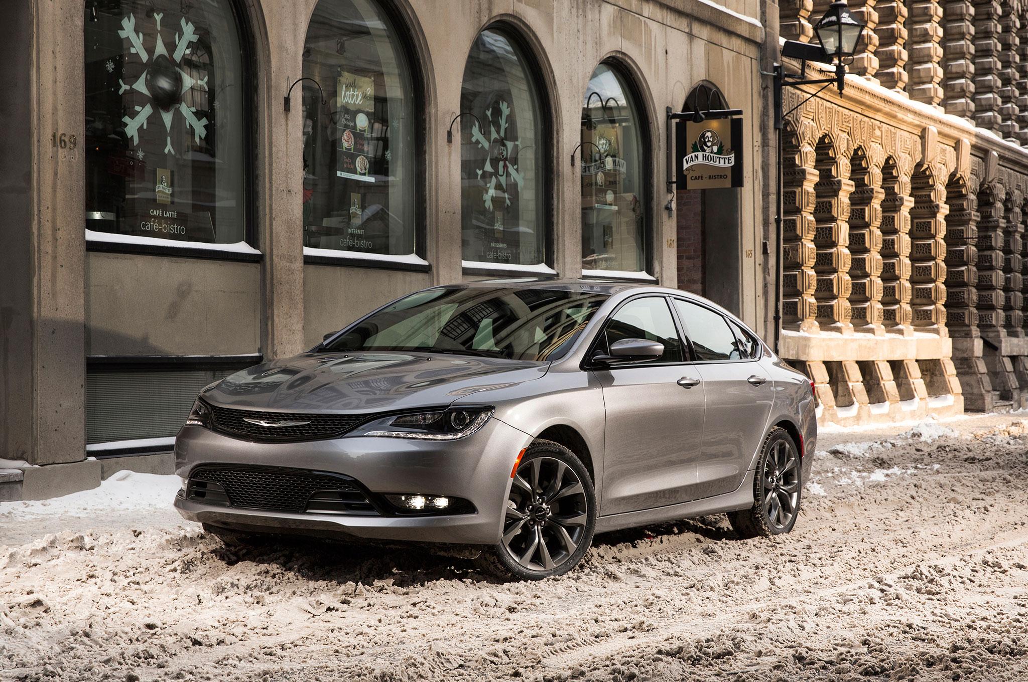 2016 Chrysler 200C Review