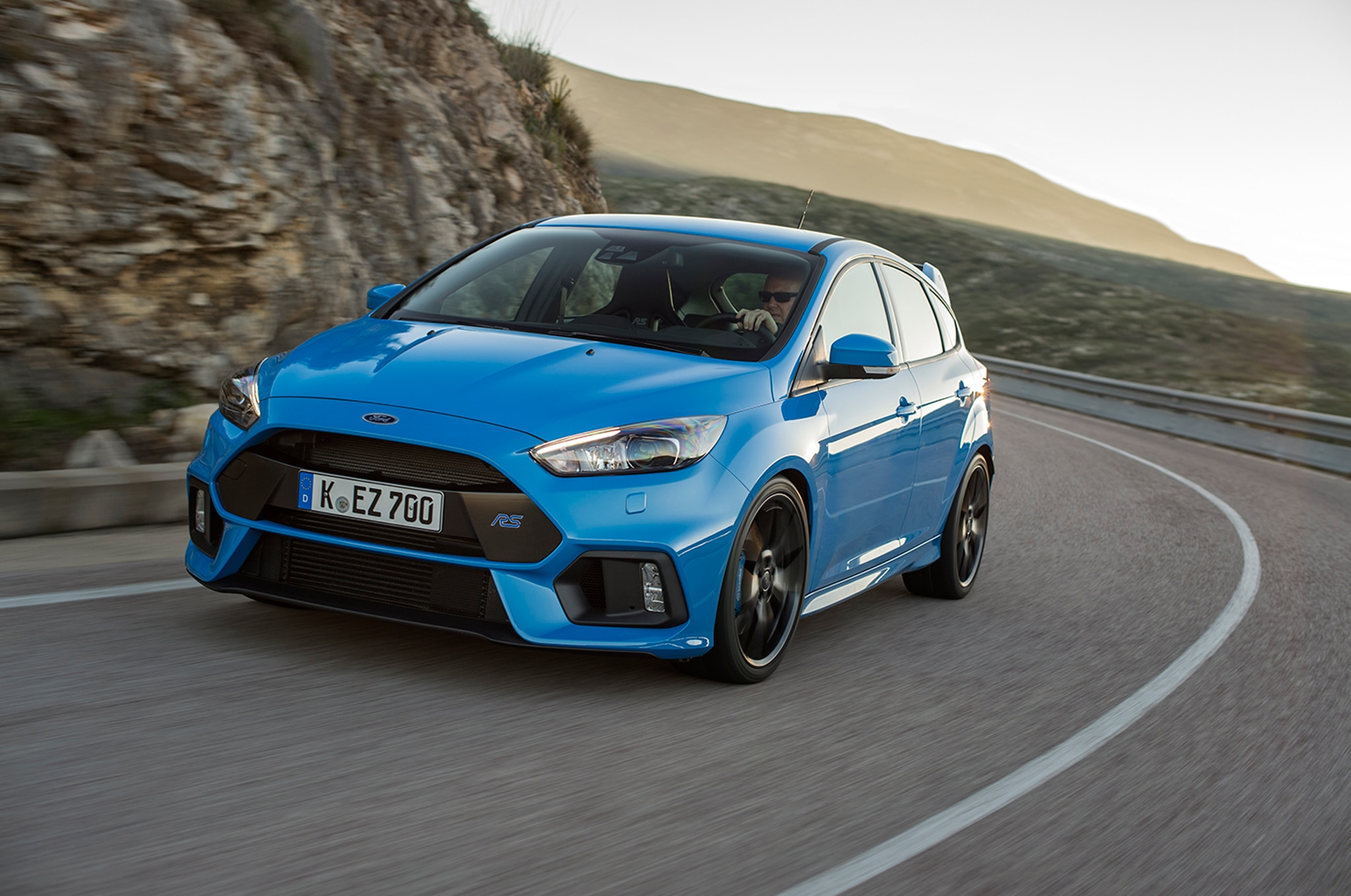 2016 Ford Focus RS Front Three Quarter In Motion 071