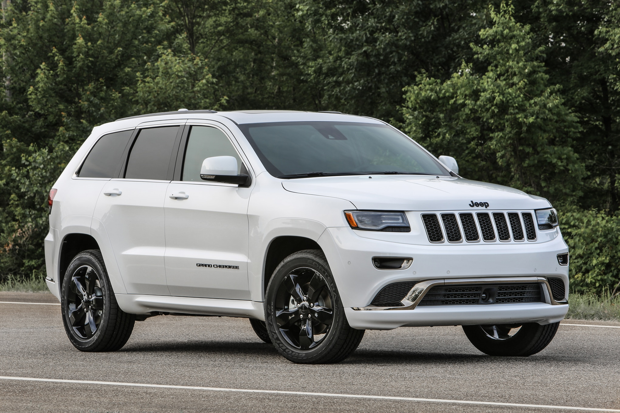 37 000 2016 Jeep Grand Cherokee Suvs Being Recalled For