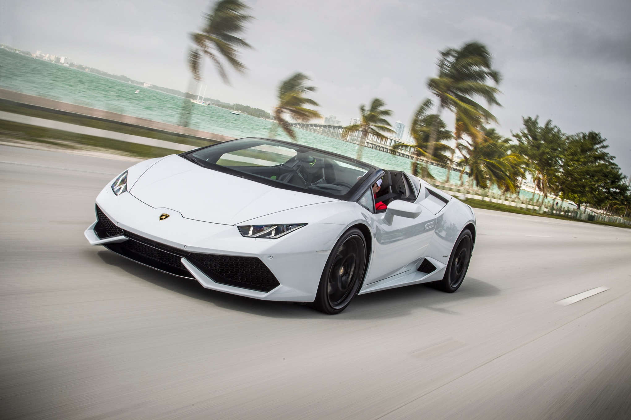2016 Lamborghini Huracan Spyder Front Three Quarter In Motion 13 1