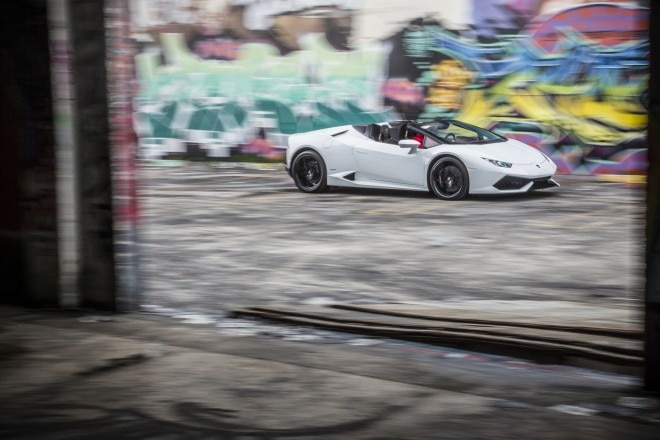 2016 Lamborghini Huracan Spyder front three quarter in motion 28