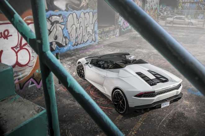 2016 Lamborghini Huracan Spyder rear top view 02