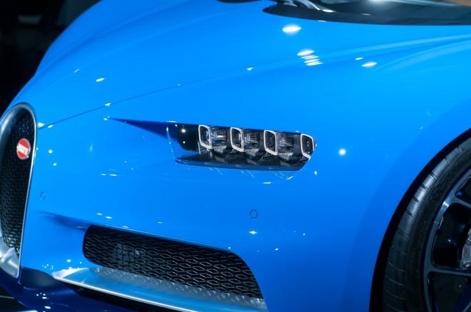 2017 Bugatti Chiron headlamp