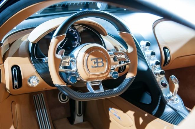 2017 Bugatti Chiron steering wheel 04
