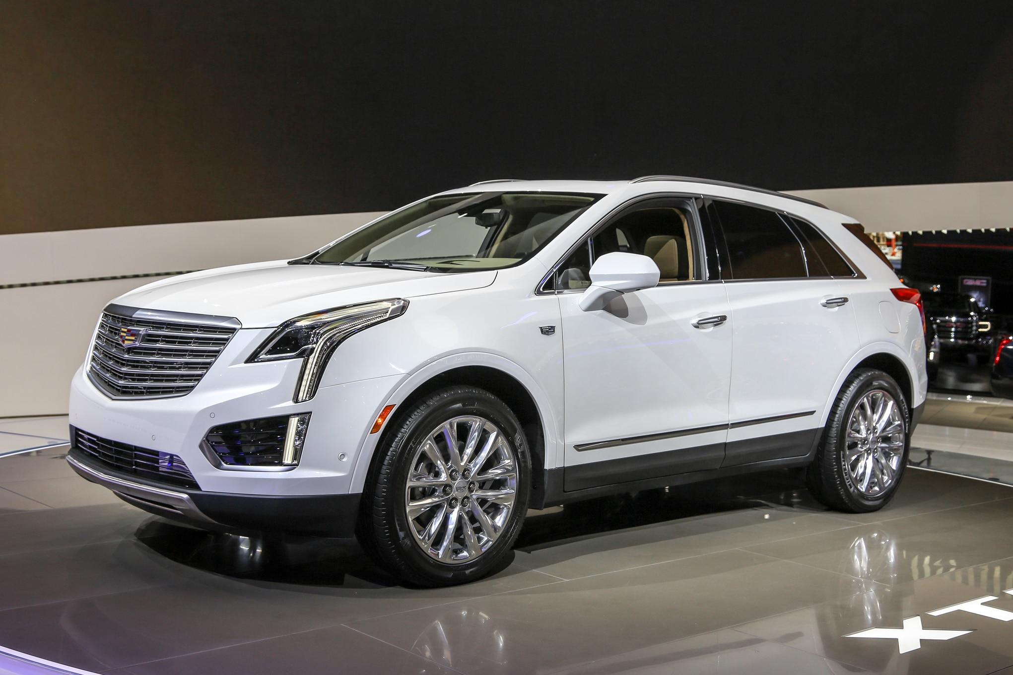 2017 Cadillac XT5 Front Three Quarters