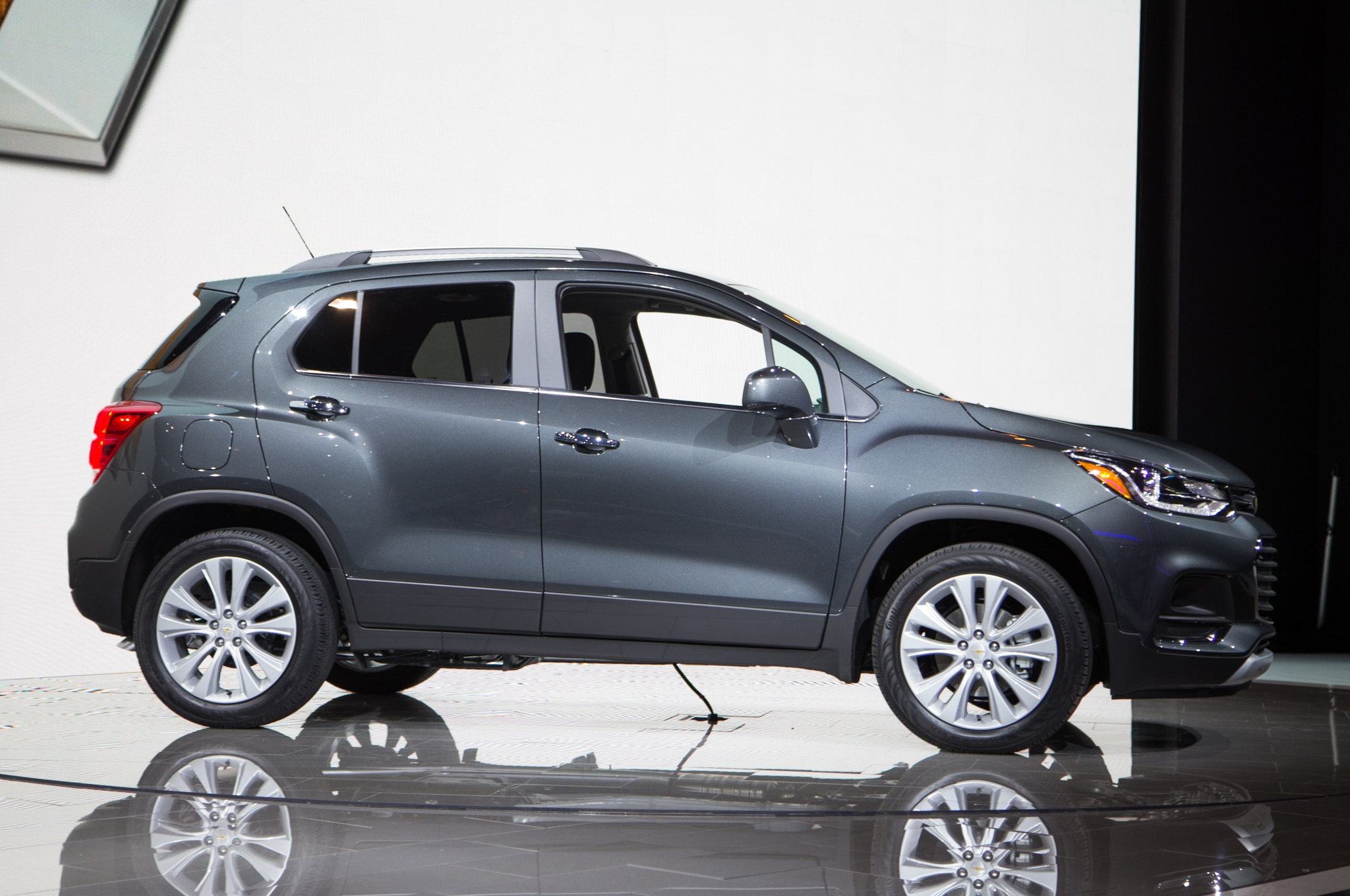 2017 Chevrolet Trax Gets A Fresh Face New Safety Gear