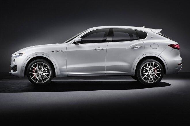 Maserati Levante side view 2