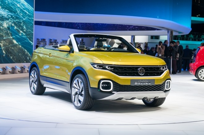 Volkswagen T Cross Breeze Concept front three quarter