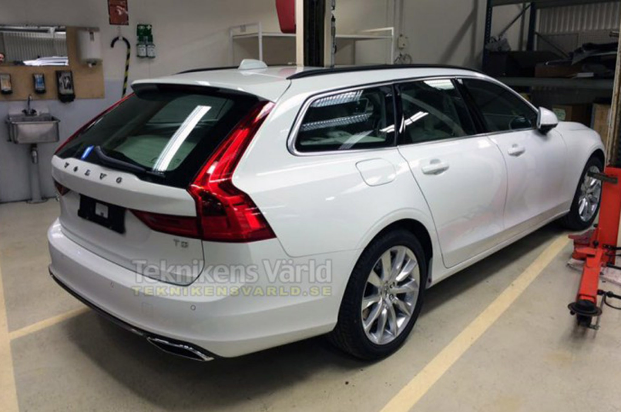 Volvo V90 Rear End Leaked Photo
