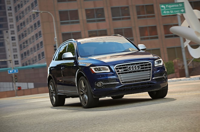 2016 Audi Sq5 Front Three Quarter In Motion 02
