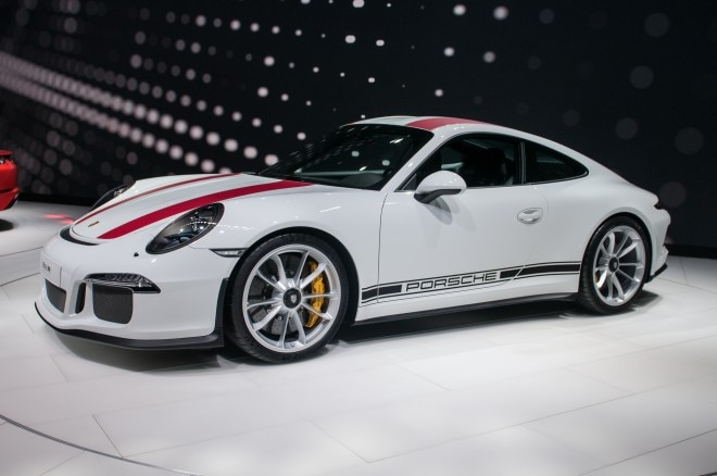 2016 Porsche 911 R front three quarters