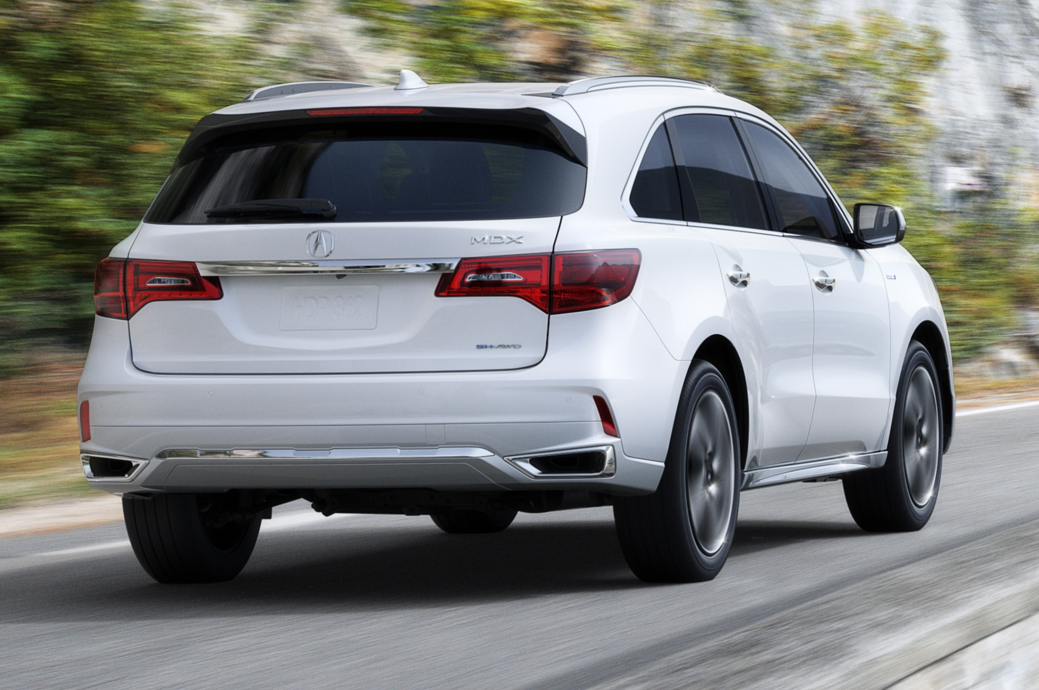 2017 Acura MDX Debuts New Nose, Sport Hybrid Model for New York | Automobile Magazine