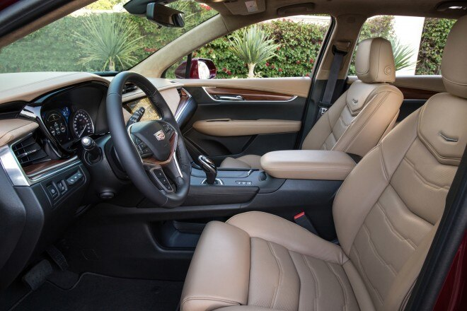 2017 Cadillac XT5 front interior seats