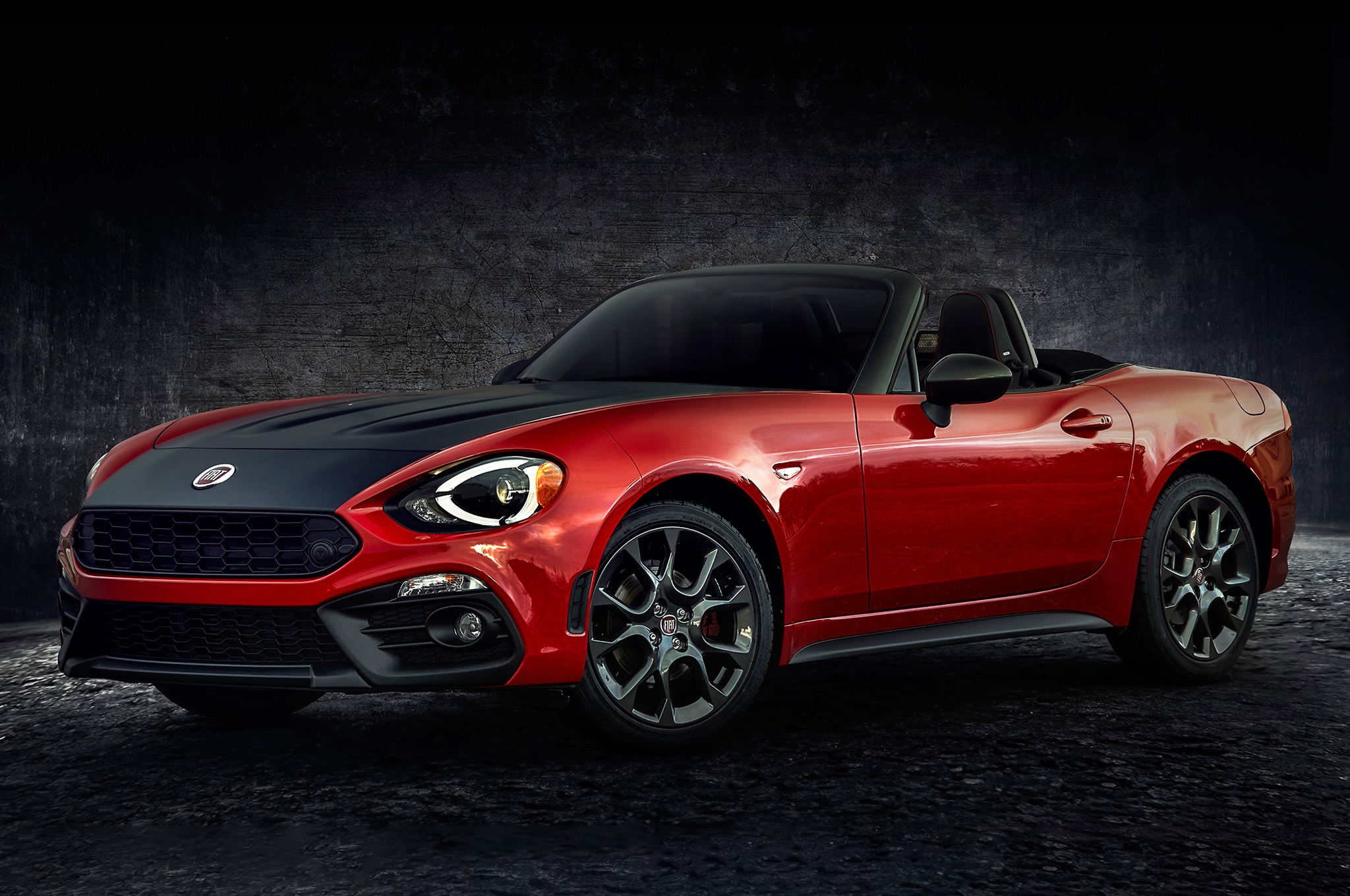Listen to the Angry Exhaust of the 2017 Fiat 124 Spider Abarth ...