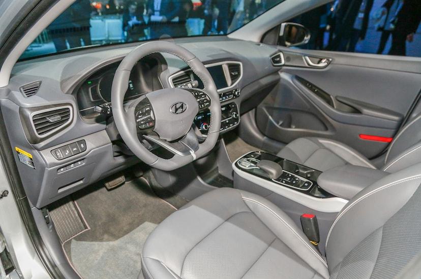 2017 Hyundai Ioniq Hybrid, Plug-In Hybrid, Electric Revealed