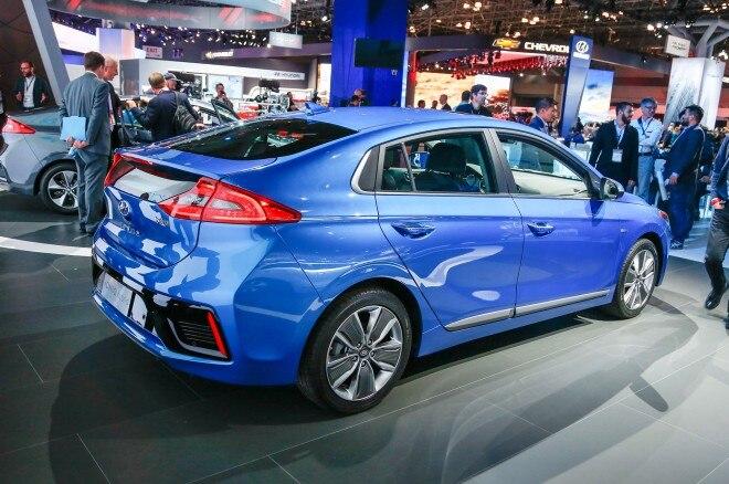 2017 Hyundai Ioniq Hybrid rear three quarter 1