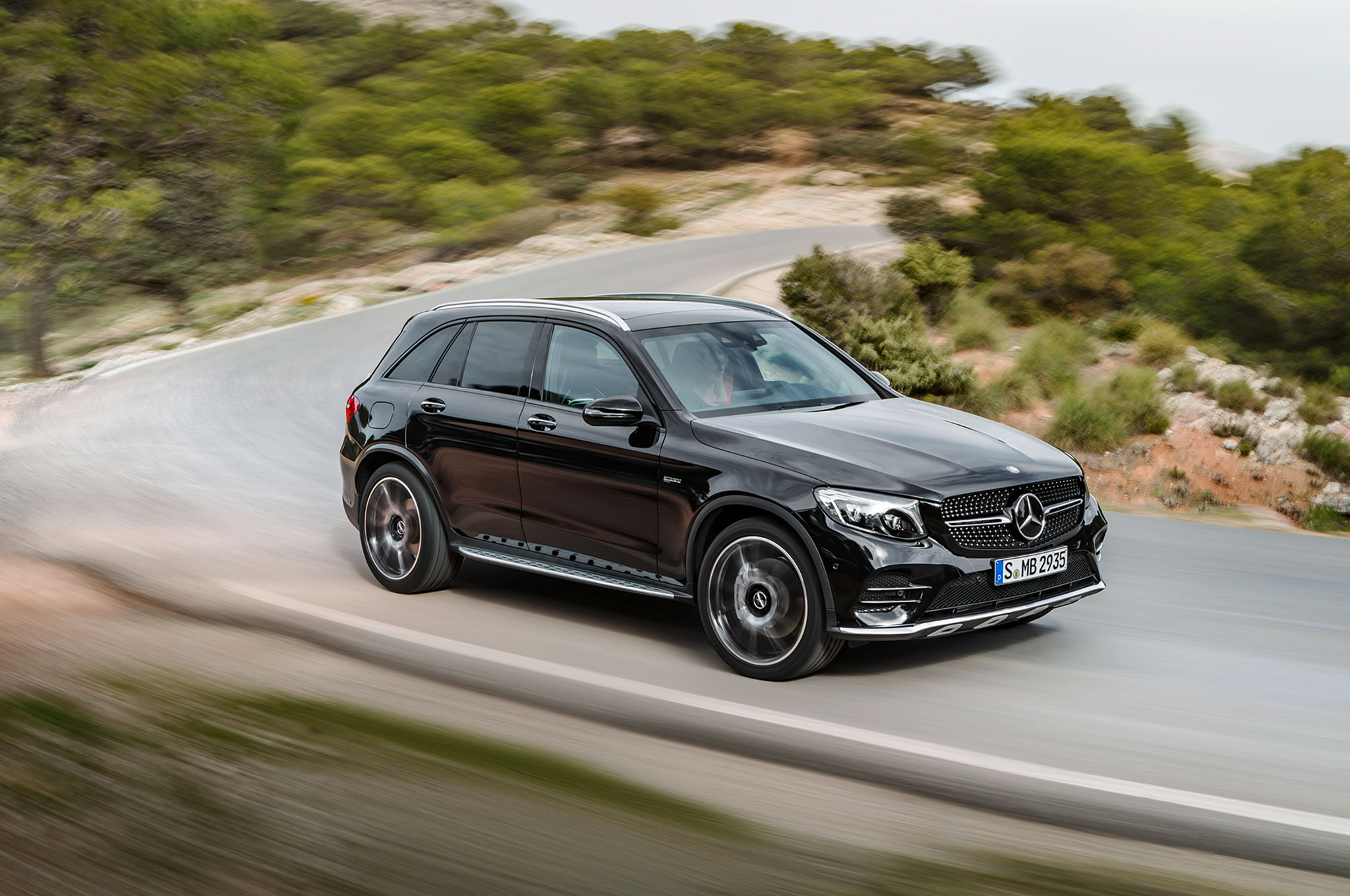 2017 Mercedes AMG GLC43 Front Three Quarter In Motion 02