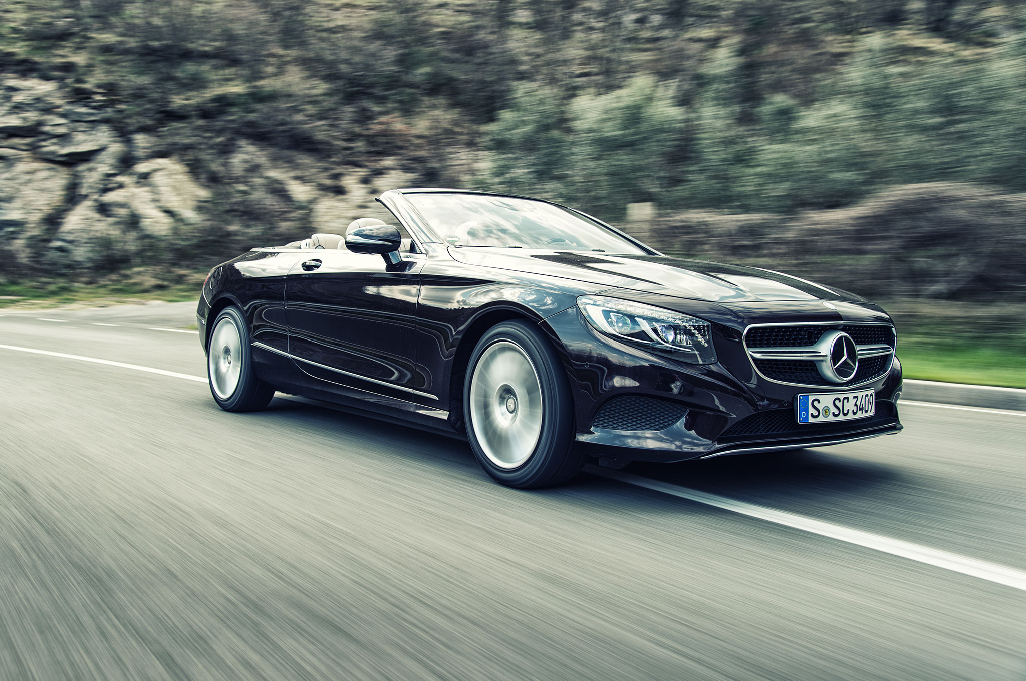 2017 Mercedes Benz S500 Cabriolet Front Three Quarter In Motion 04