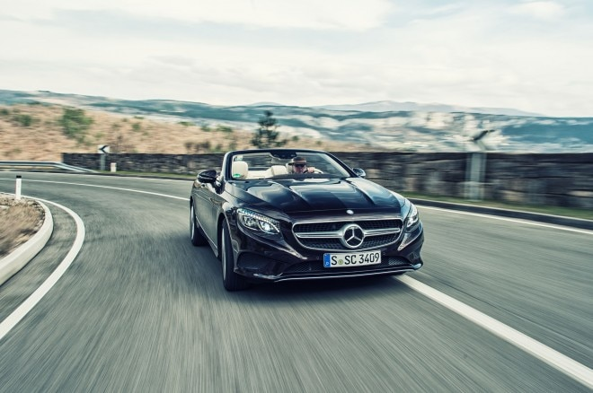 2017 Mercedes Benz S500 Cabriolet front view in motion 03