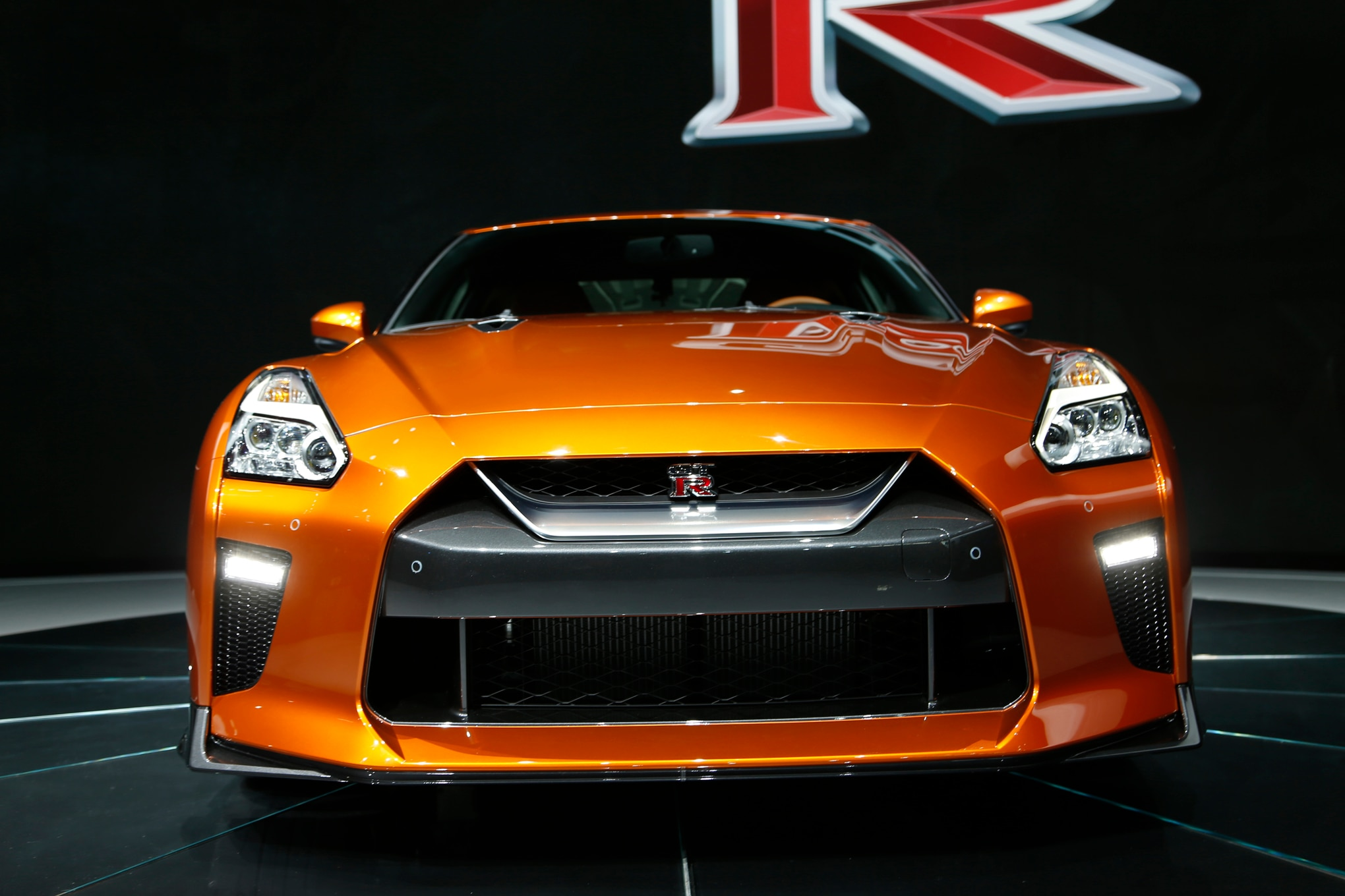 2017 Nissan GT-R: The Refreshed R35.5 Debuts in New York