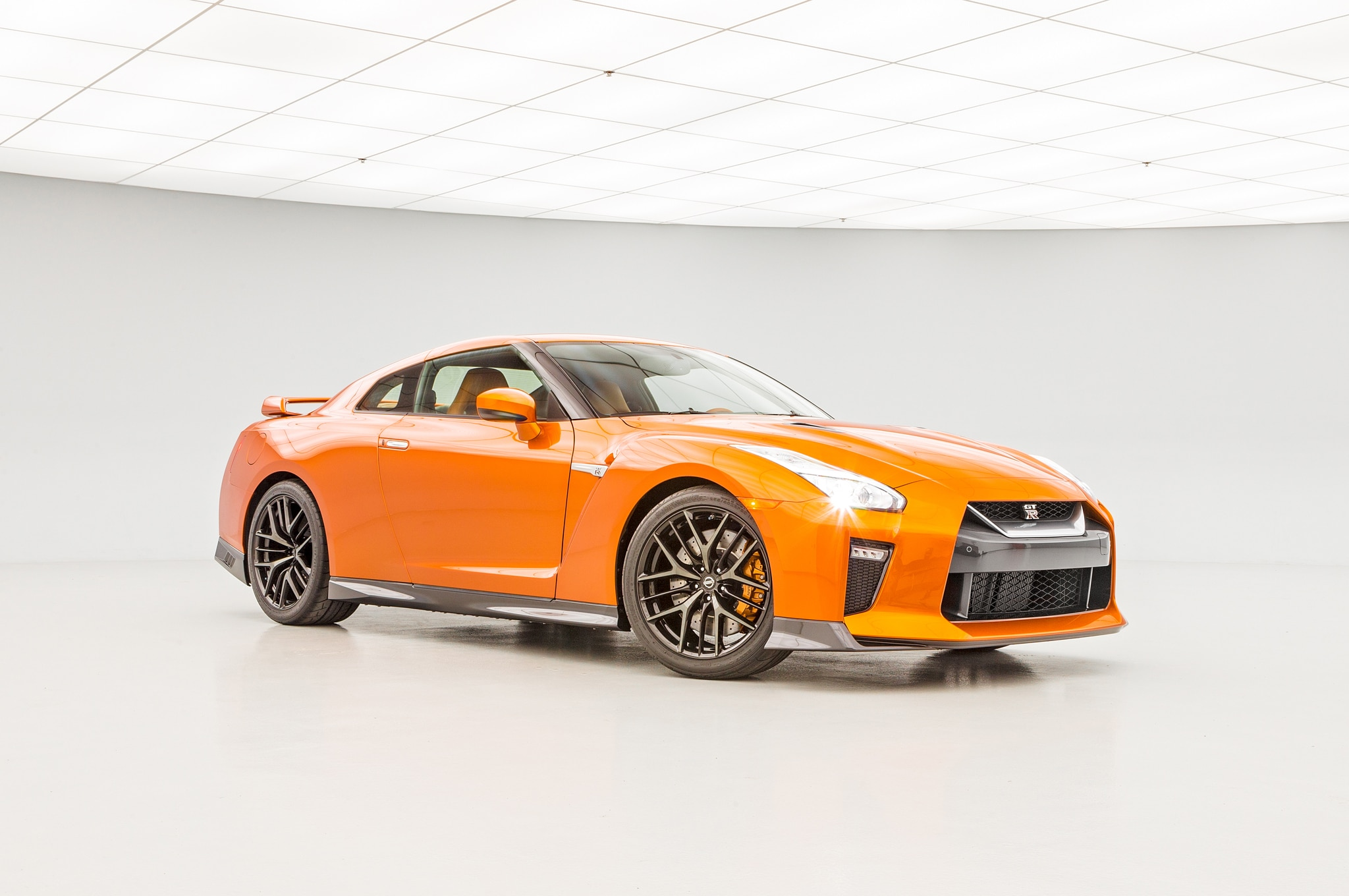 2017 Nissan Gt R Msrp >> 2017 Nissan GT-R: The Refreshed R35.5 Debuts in New York
