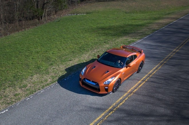 2017 Nissan GT R top view 02
