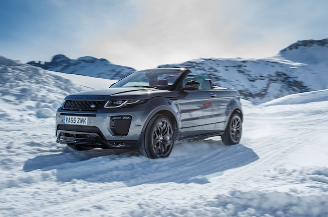 2017 Range Rover Evoque Convertible Front Three Quarter In Motion 07