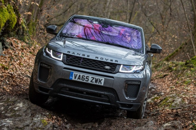2017 Range Rover Evoque Convertible front view off road 03