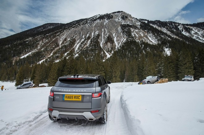2017 Range Rover Evoque Convertible rear view on snow 01