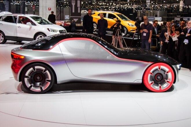 Opel GT Concept side 02