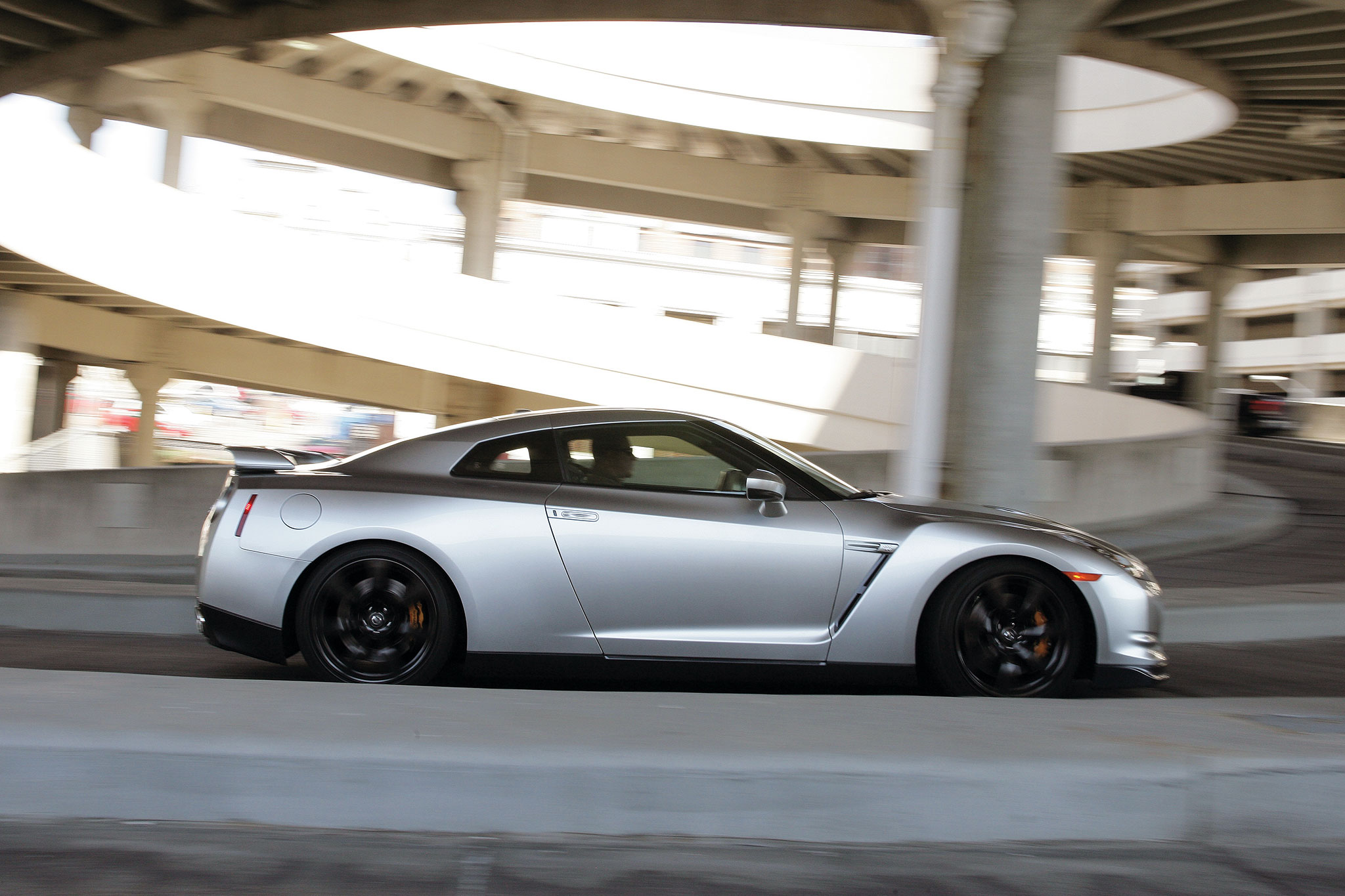 2010 Nissan GT R Side Profile In Motion