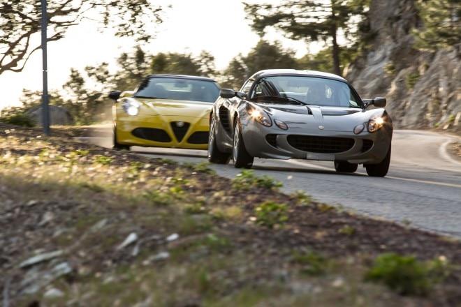 2015 Alfa Romeo 4C Spider vs 2005 Lotus Elise 10